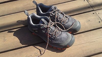 Keen Saltzman Waterproof Hiking Shoes size 9m Men
