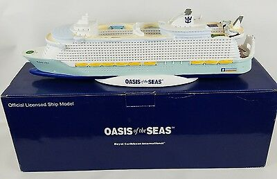"OASIS OF THE SEAS SHIP MODEL ROYAL CARIBBEAN CRUISE LINE 16""  RCCL Gift Boat"
