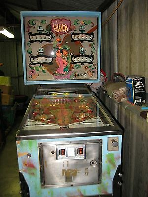 Valencia  Pinball Machine  Very Rare 1974 Mechanical