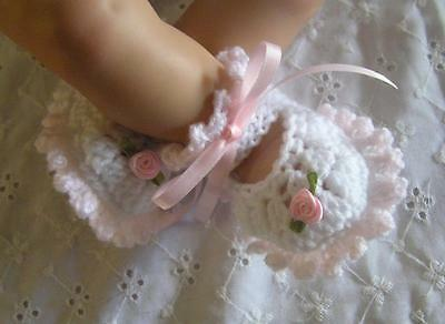 "Crochet Shoes to fit 19""-21"" Reborn doll - White and Pink."