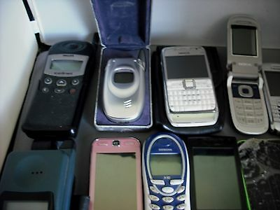 Job lot 18 mobile & car phones - Vintage & Modern Untested Spares or repairs