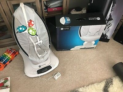 4moms MamaRoo Plush - Baby Bouncer Seat Chair -  GREY - USED 6 Times