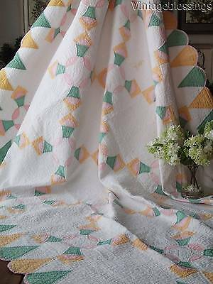 """Pretty Pastels Vintage Cottage Home Scalloped QUILT 88x69"""" Possible Cutter"""