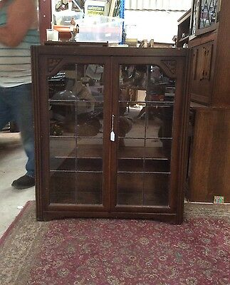 Vintage Leaded Glass 2 door Bookcase. Display Cabinet + Key. Antique Furniture
