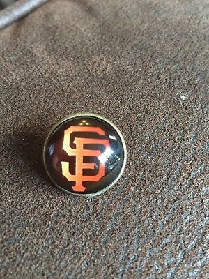 SAN FRANCISCO GIANTS Baseball MLB Unique Top Quality Pin Badge Glass Fronted