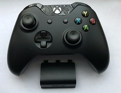Official Microsoft Xbox One / 1 Wireless Controller in Black VGC