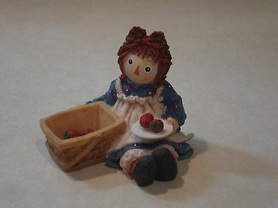 """Raggedy Ann by Enesco/'Nothing's Nicer Than a Sharing Heart"""""""