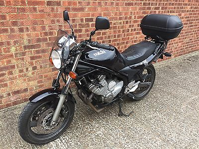 A 1997 Yamaha XJ600n Diversion 600cc Commuter Motorcycle