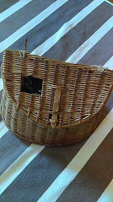 Farm Fresh -- Vintage Fishing Fish Creel Basket with lid and wood latch Fish