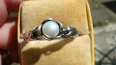 silver and pearl ring sz T