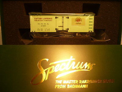 """""""RARE"""" SPECTRUM On30 FREIGHT   BILL BOARD REEFER CAPT. LAWRENCE BREW PUB #27481"""