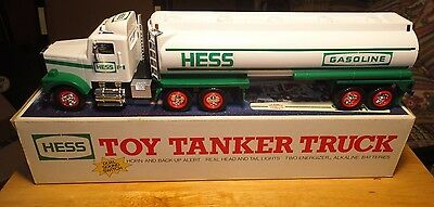1990 Hess Gasoline Toy Tanker Truck Christmas Edition - Vehicle Mint in Box