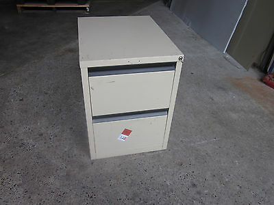Secondhand 2 Drawer Filing Cabinet Lockable with a key