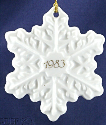 "Avon 1983 White Snowflake Christmas ornament Classic ceramic 3"" For collector"