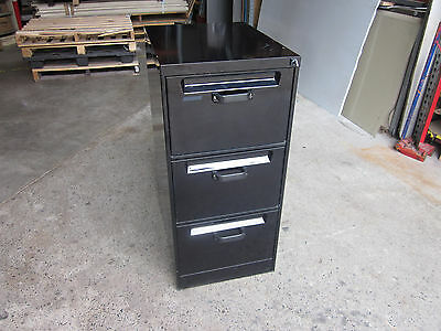 Secondhand 3 Drawer Filing Cabinet Black Lockable with a key