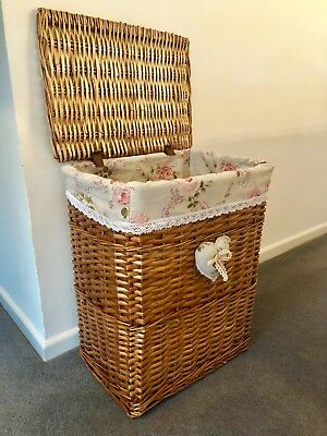 LARGE Laundry Basket Light Brown Wicker Shabby Chic Rattan Storage Lined w/ Lid