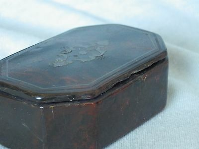 Antique/Vintage Lacquered Snuff Box. Good Condition.