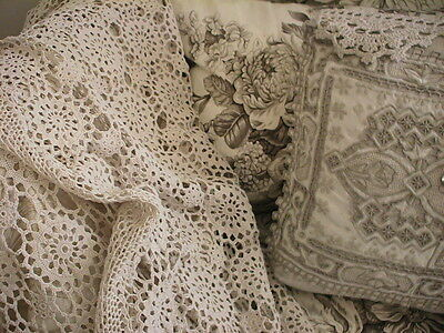 Vintage Ecru Hand Crochet Lace Rectangular Tablecloth Bedspread 184 X 125Cms