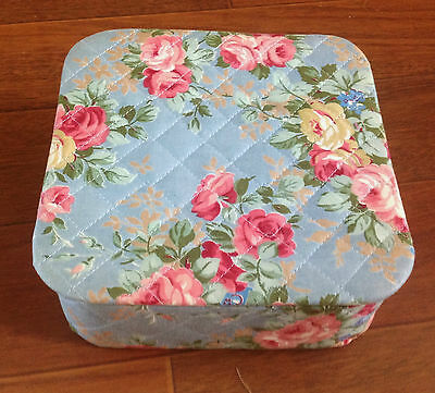 Vintage Square Fabric Flower Pictures Box Sewind Storage 7,5 X 7,5