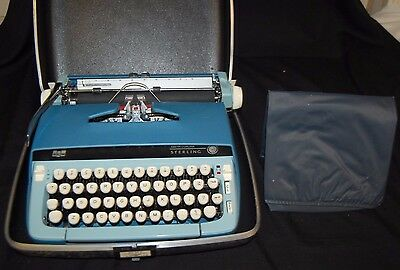 Smith Corona Sterling Typewriter with case BFC/D4