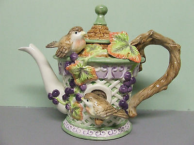 HTF/Vintage Fitz Floyd Birds, Lattice & Grape Vines Tea Pot