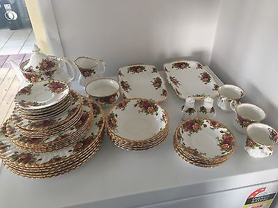 46 Piece Royal Albert Old Country Roses