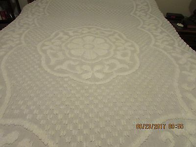 vintage Chenille WHITE Bedspread Full Size