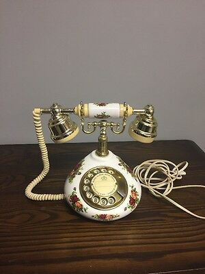 Royal Albert Bone China Old Country Roses Telephone