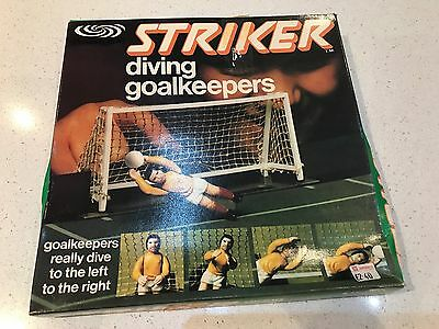 STRIKER DIVING GOALKEEPERS BY PARKER BOXED 1970s FOOTBALL GAME