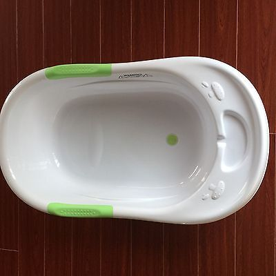 Bath Tub for New Born to Walker, Big Size, Nearly New!