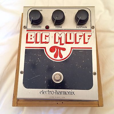 Electro Harmonix Big Muff Pi Distortion Sustain pedal with wooden case