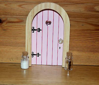 Fairy door with fairy dust and key pink door with heart for Fairy door with key