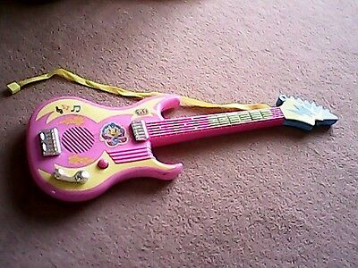 Fifi and the Flowertots pink guitar toy