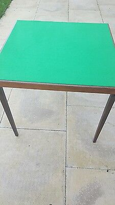 Vono Classic Green Felted Folding Card Table