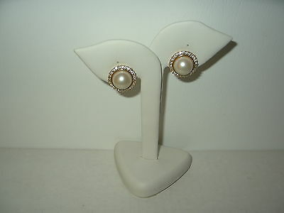 Pretty Vintage Signed VENDOME Goldtone Pearl & Crystal Round Clip Earrings