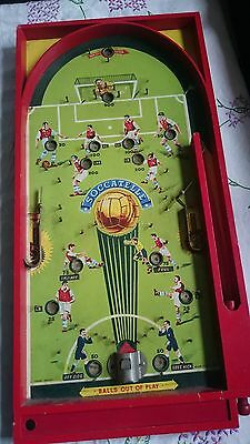VINTAGE WOODEN PIN BALL MACHINE SOCCER GAME SOCCATELLE by CHAD VALLEY - ENGLAND