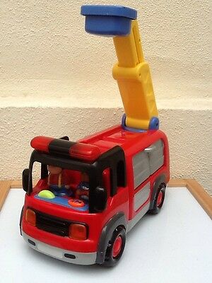 ELC Happyland Fire Engine With lights sounds & Fire Fighters