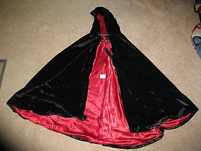 Halloween Cape for kids, New with Tags, Size M - 5/6