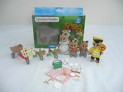 sylvanian families fox family with bikes and picnic