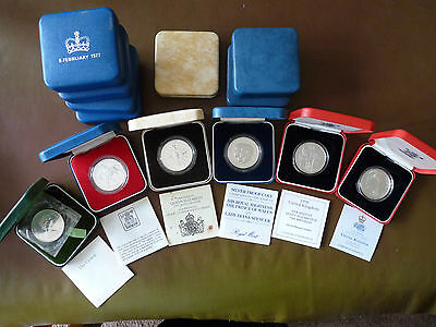 Job lot of 13 Queen Elizabeth II silver proof crowns, all cased with certs.