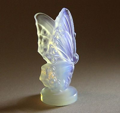 Sabino CLOSED WING BUTTERFLY Opalescent Frosted Figurine France