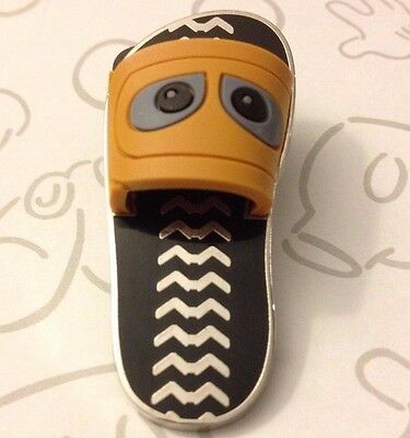 WALL-E Robot Sandals Flip Flops 110127 Left Shoe Disney Pin Buy 2 Save $