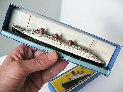 Dinky Toys No52a Queen Mary liner   RARE  1937-40  Boxed  VGC