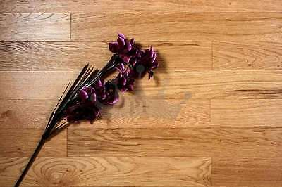Victoria Engineered CLICK 125mm x 11/2.5mm Brushed and Lacquered Wood Flooring
