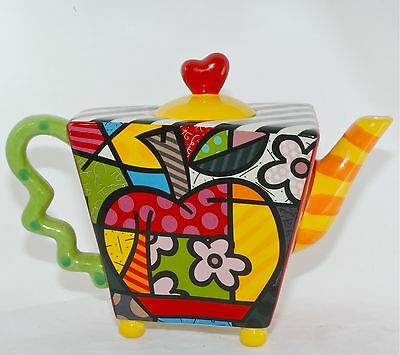 ROMERO BRITTO LARGE TEAPOT APPLE 14072  Ceramic Pop Art