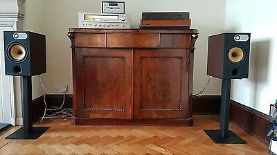 B&W 685 Main / Stereo Speakers / Boxed / Immaculate condition