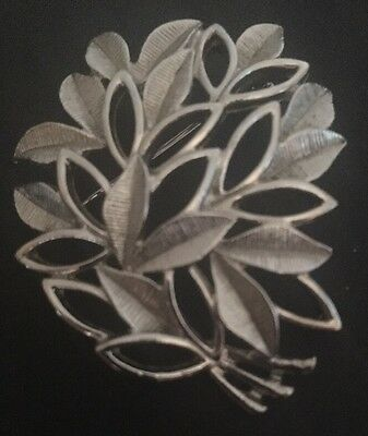 70s Sarah Coventry Silver tone Leaf Brooch