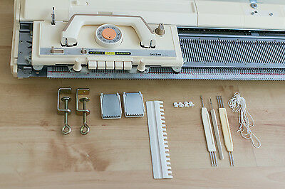 Brother Knitting machine KH830. Please read the description.