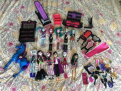 Monster High Doll Bundle 11 x Dolls & Accessories etc