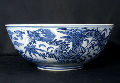 Fantastic Antique Chinese Kangxi Blue & White Porcelain Dragon Decorated Bowl